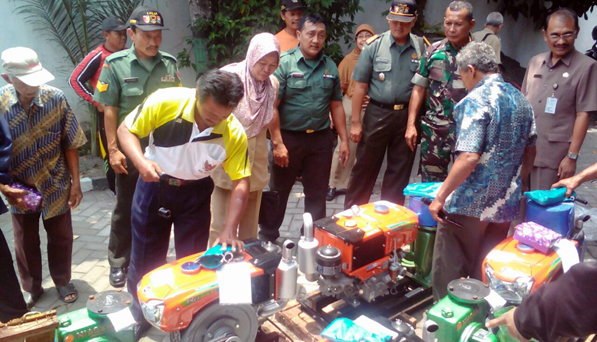 Pemerintah Pusat Turunkan Bantuan Alsintan Petani