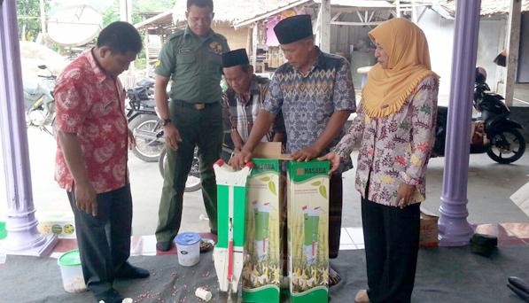 Kodim Bangkalan Serahkan Alat Tanam Jagung