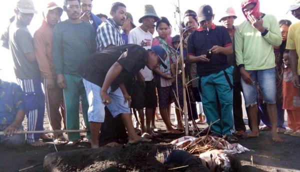 Dibunuh, Dikubur Pasir di Pantai Bulurejo Paseban