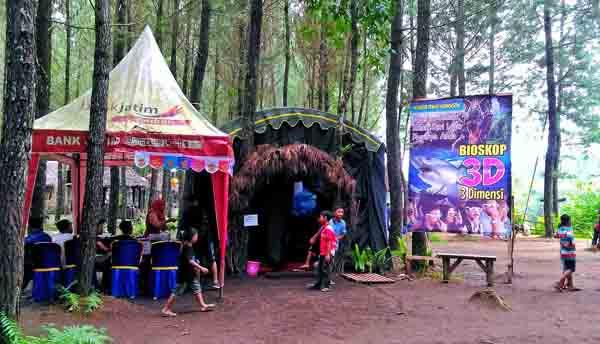Traveler Pecinta Alam, Yuk Nonton Film 3D di Wisata Pinus Songgon