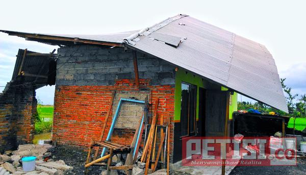 Angin Beliung Sapu Rumah Giman Blimbingsari