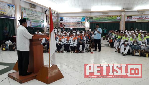 Bupati Kuansing Lepas Calon Jamaah Haji di Batam