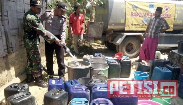 Ribuan Liter Air Bersih Digerojok ke 4 Desa di Bangkalan