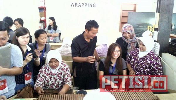 Kunjungan Mahasiswa Philipina ke BIN Factory Jember