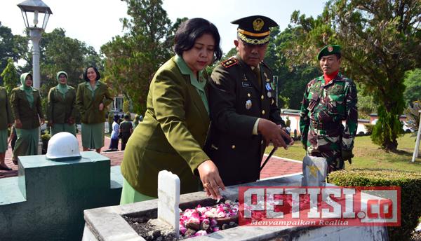 HUT TNI ke 72 dan HUT Kodam IV/Diponegoro ke 67, Kodim Magelang Ziarah ke TMP