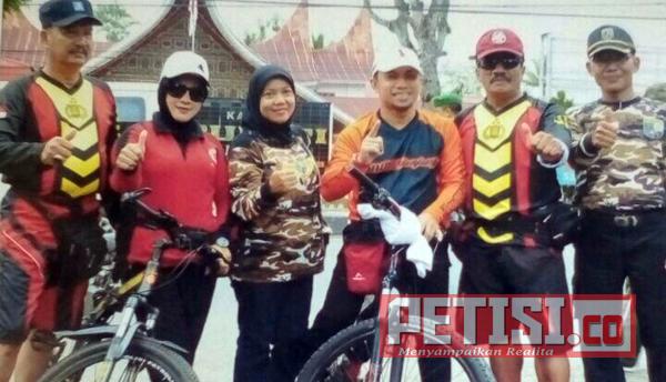 Sepeda Santai HUT TNI ke 72 di Sijunjung Banjir Hadiah