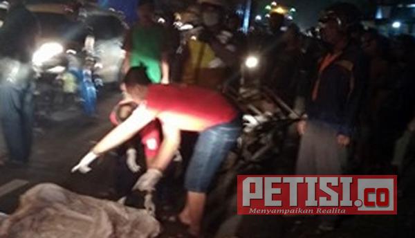 Tukang Becak di Mojokerto Tewas Diseruduk Truk