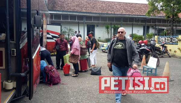 Erupsi Gunung Agung, Stasiun Bangil Dipadati Wisatawan Manca Negara
