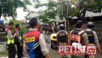 Ribuan Ban Truk Bekas 'Disapu Bersih' Tim Gabungan dan Pol PP Krembangan