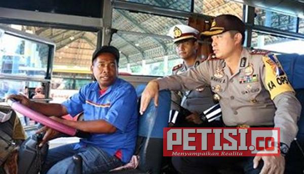 Persiapan Pengamanan Natal dan Tahun Baru, Kapolres Bojonegoro Sidak Terminal Bus