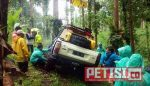 Warga Desa Burno Antusias Lihat Offroader Pacu Kendaraannya di Hutan Burno