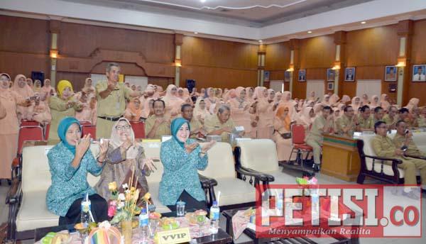 Dharma Wanita Dinas Pendidikan Jombang Gelar Seminar