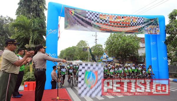Kapolres Jombang Berangkatkan Road Bike HUT ke 69 Kodam V/Brawijaya