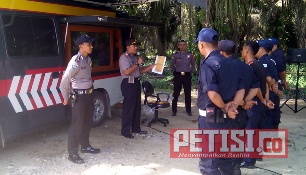 Binmas Polres Kuansing Beri  Penyuluhan dan Pembinaan Keamanan Swakarsa
