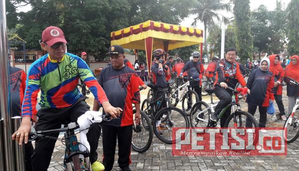 Pencinta Olahraga Sepeda Hadiri Gowes Baserah Bike Community di Baserah Kuansing