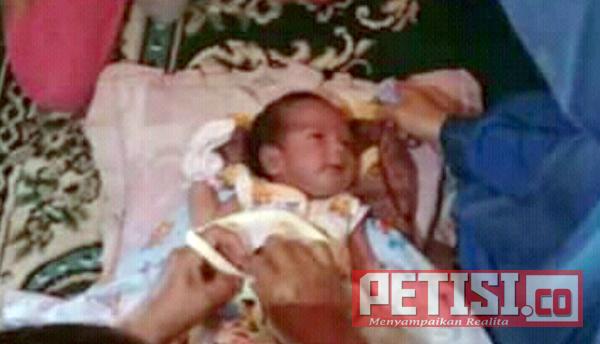 Bayi Ganteng Ditinggal di Tempat Imaman Masjid  Desa Ngembeh Dlanggu