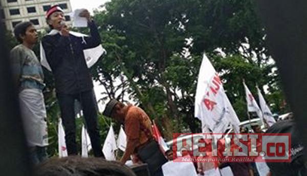Ratusan Massa AMJM  Tagih Janji Kejati Jatim Tuntaskan Kasus P2SEM
