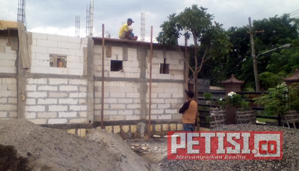 Pembangunan Mushola Al Hijrah Polsek Pakal Diharapkan Selesei Akhir Pebruari 2018