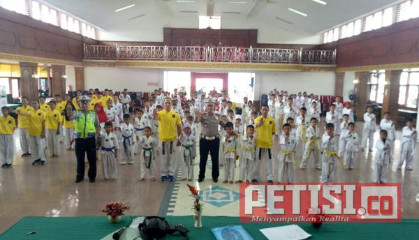 Satlantas Polres Sijunjung Sosialisasi Tertib Berlalulintas ke Atlet Taekwondo