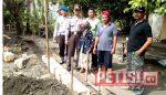 Kapolsek Kalitidu Kunjungi Proses Pembangunan Rumah Mbah Tandur