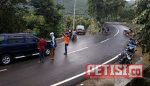 Jalur Ponorogo-Pacitan Tutup Total, Sepanjang 80 Meter Badan Jalan Tertimbun Longsor