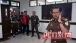 Usai Diperiksa 8 Jam, Plt Dirut PD Pasar Surya Dijebloskan Penjara