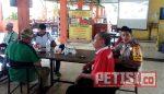 Nobar Laga Persebaya Vs PSMS di Sentra  PKL Babat Jerawat Pakal