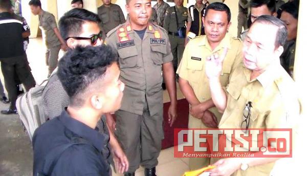 Massa PPDKB Demo di DPRD Banyuasin, Tuntut PAW Anggota Dewan Terlibat Narkoba
