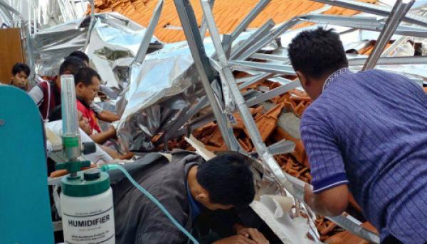 Beredar Melalui Medsos, Atap Bangunan RSAL Dr Ramelan Ambruk