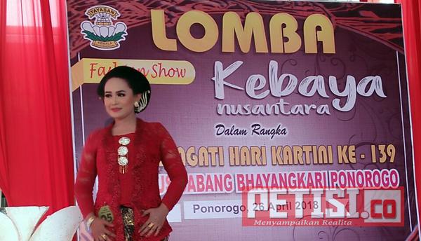 Peringati Hari Kartini, Bhayangkari Ponorogo Gelar Lomba Kebaya