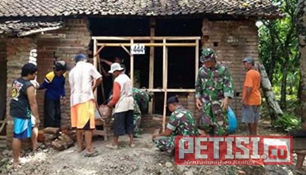 Koramil Bungkal Rehab 48 Rumah Milik Warga