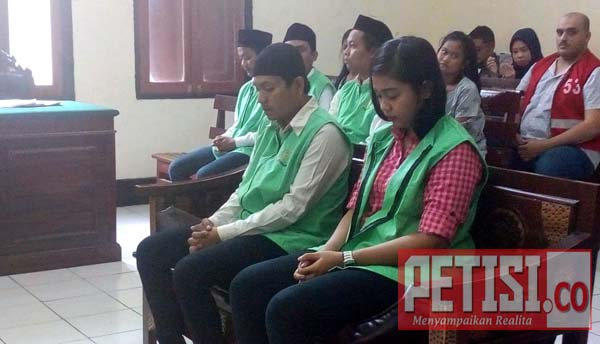 Sejoli Pesta Shabu Dukurung 6 Tahun Pejara