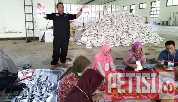 KPU Ponorogo Langsung Sortir Dan Lipat Surat Suara