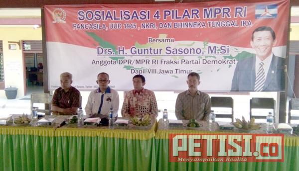 Anggota MPR RI Guntur Sasono Sosialisasi 4 Pilar di Desa Sidowarek Ngoro Jombang