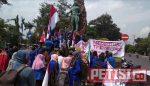 Ratusan Mahasiswa UNP Kediri Gelar Demo