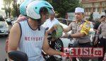 Usai Sertijab Kasat Reskrim, Kapolres Lumajang Bagi-bagi Takjil