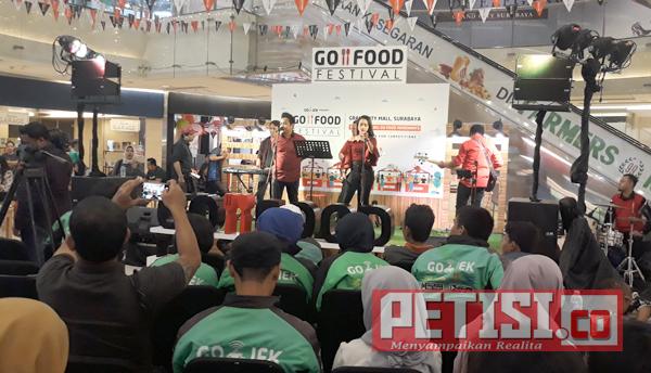 Ratusan Mitra Go-Jek Meriahkan Go Food Festival 2018