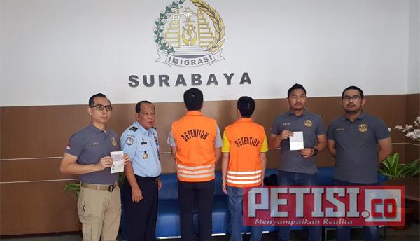 Imigrasi Surabaya Deportasi Tiga WNA