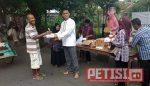 PTPN X Divisi Tembakau Berbagi Buka Puasa on The Street