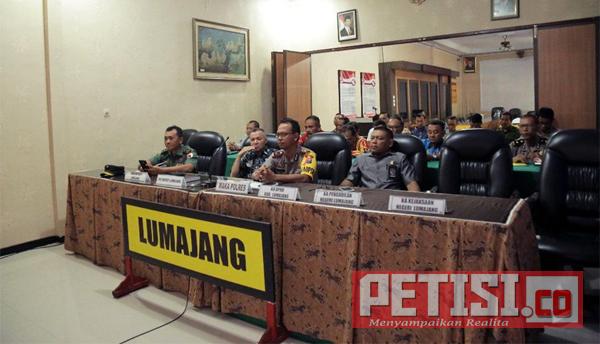 Plt Bupati Lumajang Ikuti Video Conference Kapolri