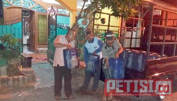 Kinerja PDAM tak Becus,  Warga Pondok Benowo Indah Kelimpungan